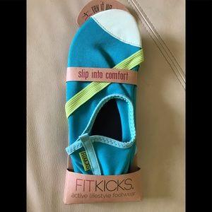 Fit kicks size medium turquoise color